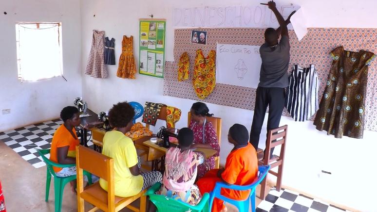 Dewe Sewing Class